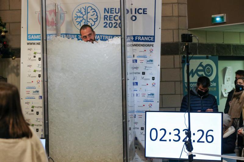 Image de Romain Vandendorpe a battu le record du monde d'immersion dans la glace.