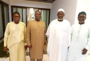 Macky Sall et les membres des associations islamiques
