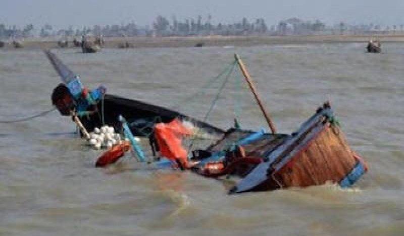 Fleuve Senegal bateau Mauritanien percute pirogue
