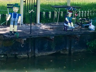 More interesting views along the canal!