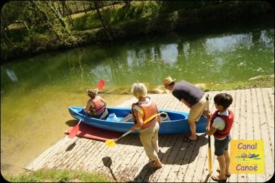 embarcadère canal de Marans à La Rochelle Départ des canoës en navigation
