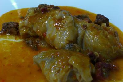 Resultado de imagen de patas de cerdo en salsa española