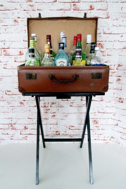 Mini bar en casa 10 encantadoras ideas para armar el tuyo - Estanterias para bares ...
