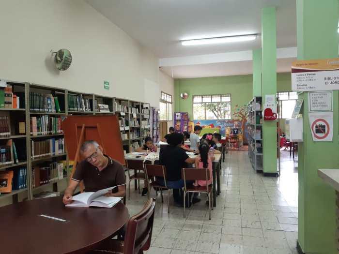 Biblioteca, lectores, ibagué