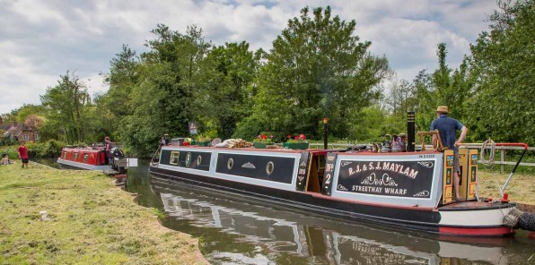 Sheffield Lock 101 at Theale from the east.