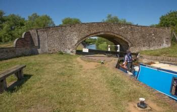 Aynho Weir Lock 33 with Weir Bridge 188 beyond.