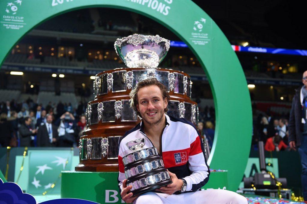 Lucas Pouille con la Copa Davis en 2017
