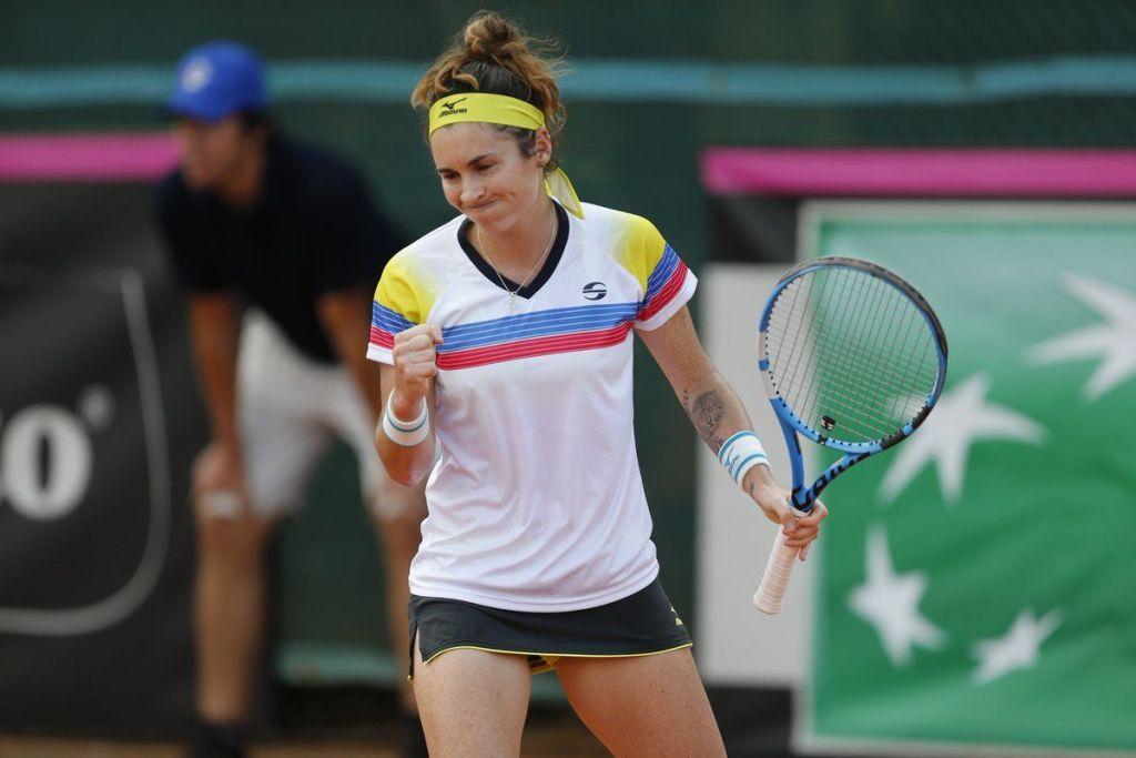 Andrea Gamiz jugando con Venezuela en la Fed Cup