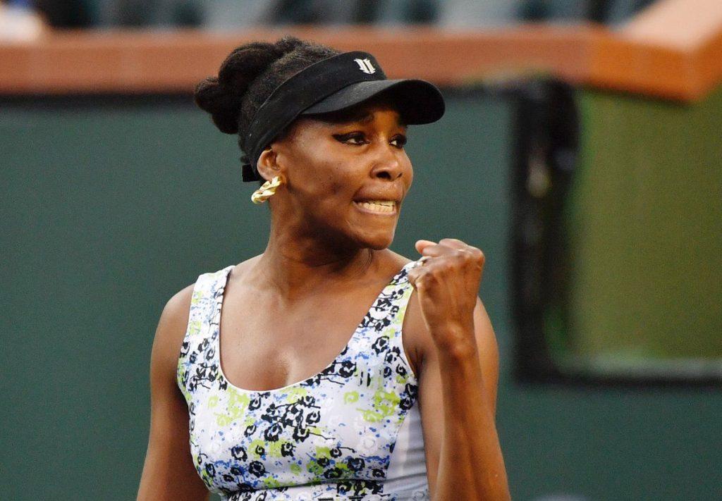 Venus Williams celebra un punto en Indian Wells
