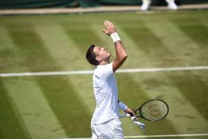 Del Potro celebra la victoria de su debut en Wimbledon 2018