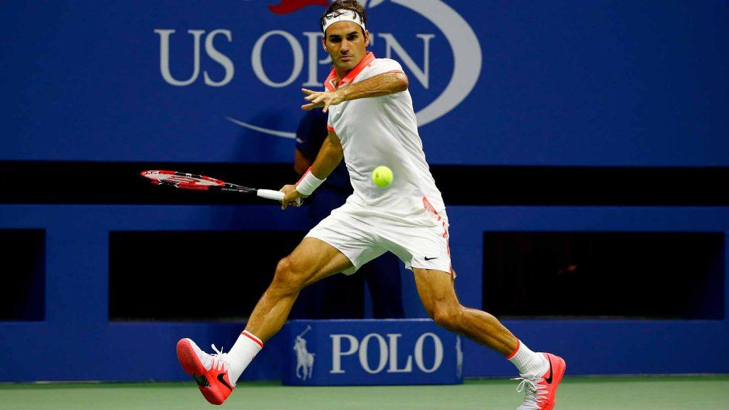 Roger Federer golpea un derecha en el US Open 2015