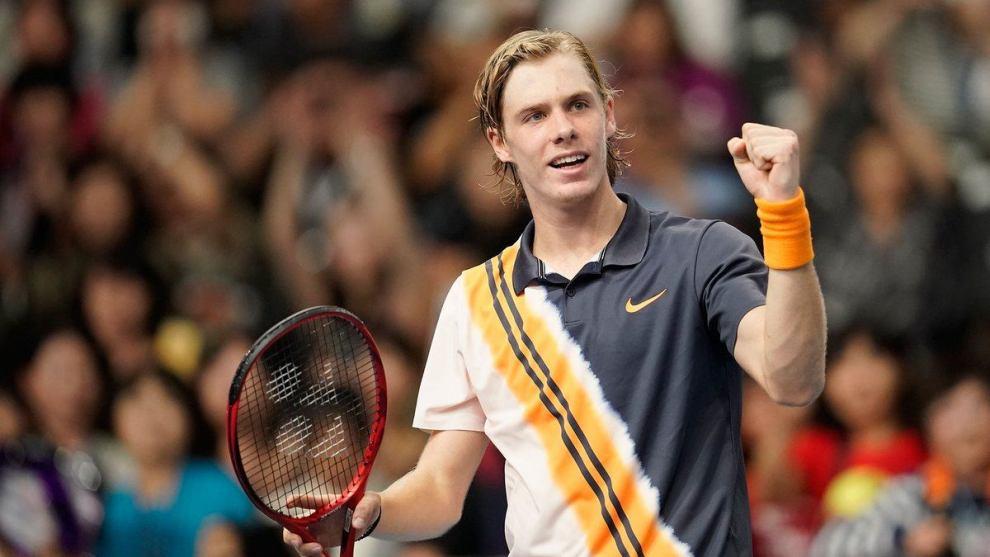Shapovalov celebra el triunfo ante Chung en el ATP de Tokyo