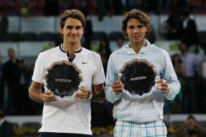 Federer y Nadal tras la final del Mutua Madrid Open 2010
