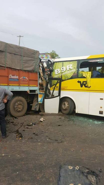 7 injured in bus - truck collision at Bhatkal - Canara Buzz