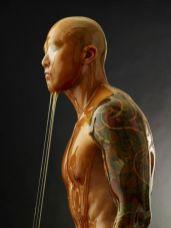 Hombre bañado en miel 2