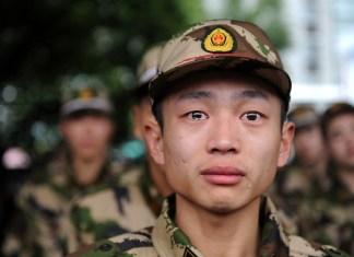 Soldado Joven Con Lagrimas