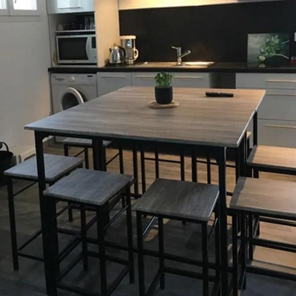 set de 1 table 4 tabourets ensemble table de bar bistrot 4 tabourets avec repose pieds table mange debout table haute cuisine fr wish