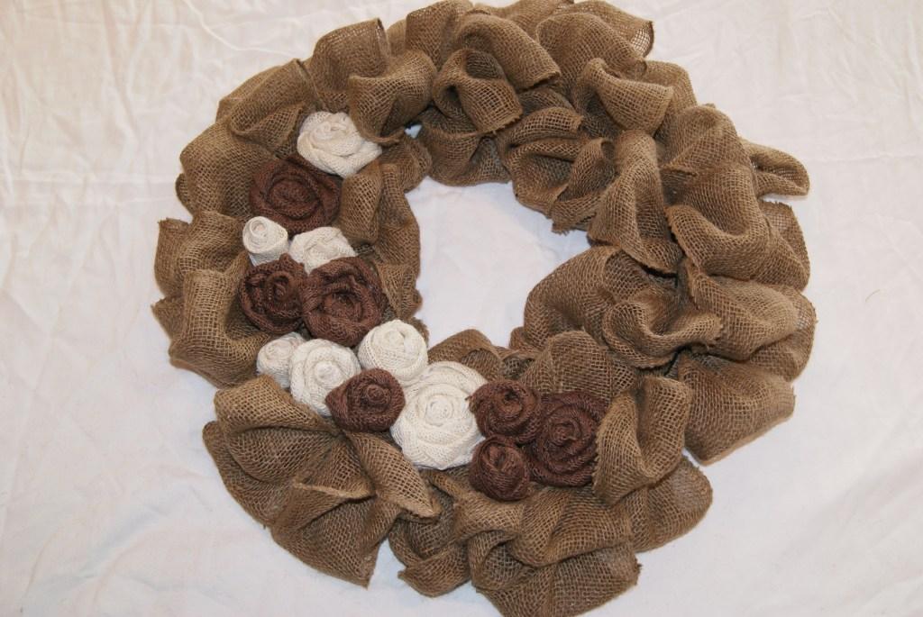 DIY burlap wreath  canarystreetcrafts.com