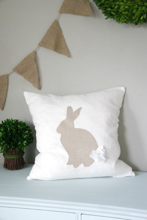 Easy DIY no-sew bunny silhouette pillow tutorial. So cute! https://canarystreetcrafts.com/