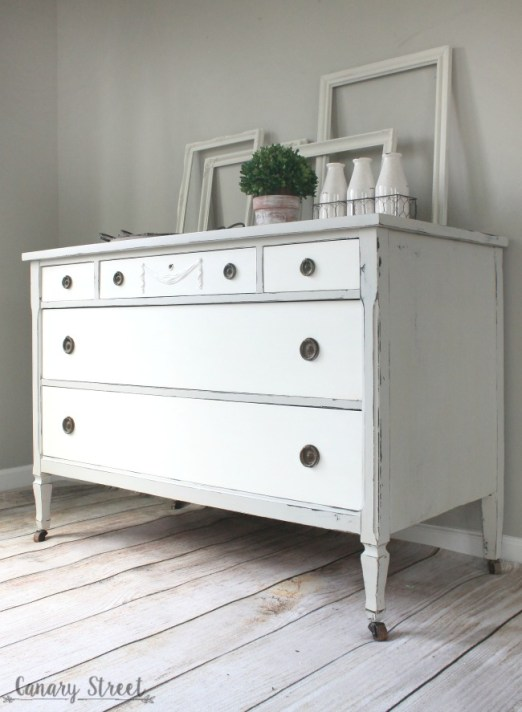 A farmhouse dresser makeover in grey and white. canarystreetcrafts.com #FATpaint