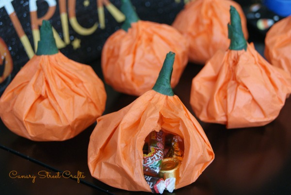 Easy DIY Pumpkin Pouch Goodie Bags!  -canarystreetcrafts.com