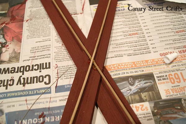 DIY snow ski decoration made from wood shims {Canary Street Crafts}