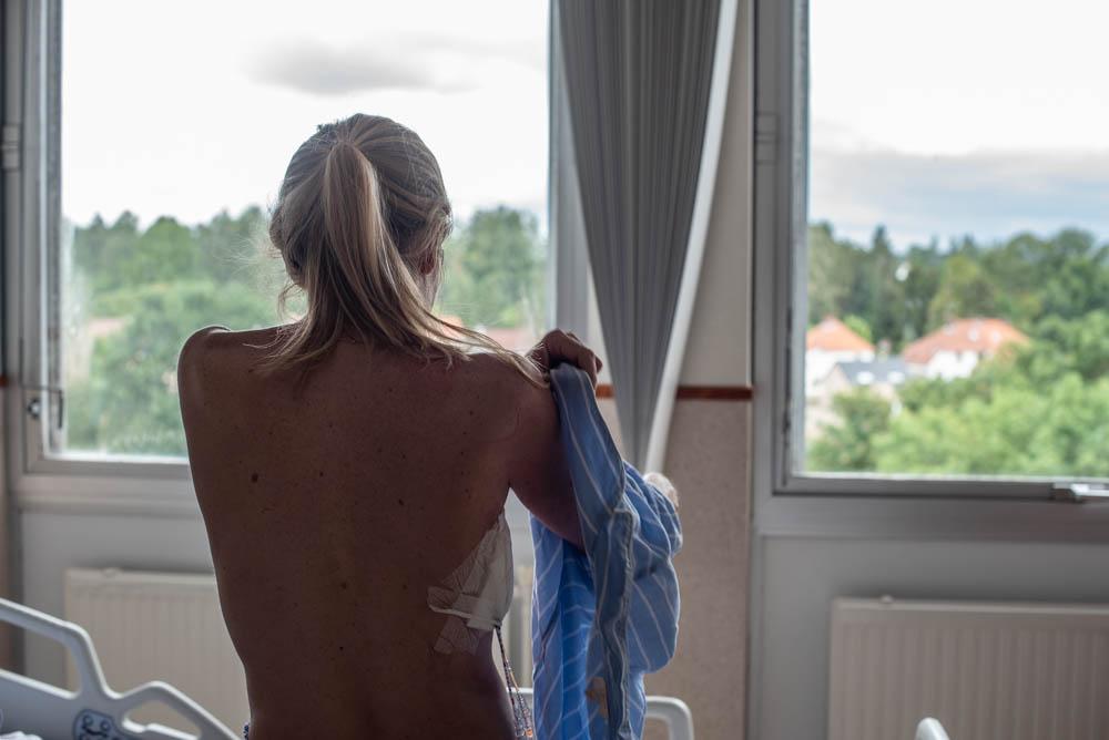 Delphine Remy a l'hopital apres sa mastectomie