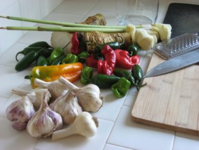 How to make a master tonic with garlic, onions, peppers, ginger and horseradish root