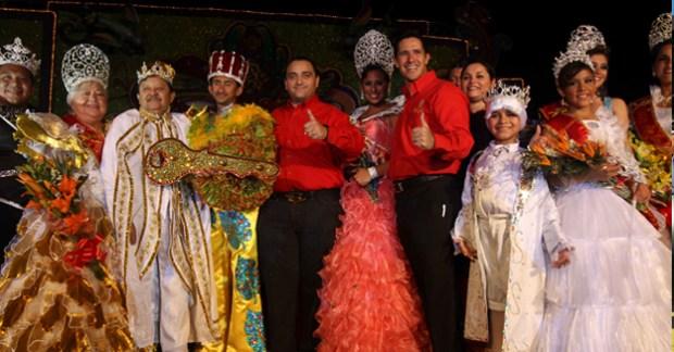 Borge y Aurelio Joaquín Carnaval Cozumel