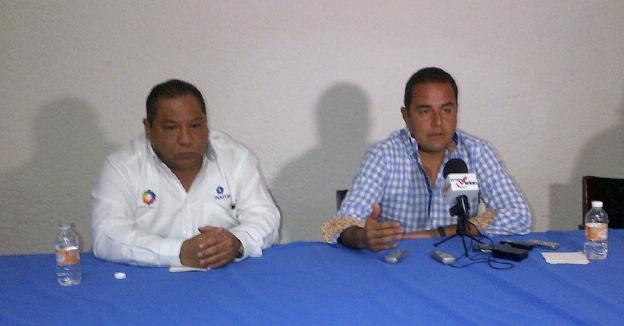 izquieda Gabriel Chavarría, delegado Fonatur