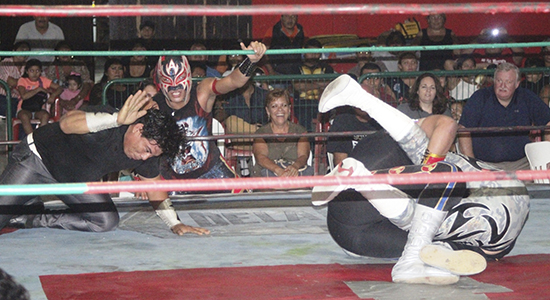 lucha-arena-colonos-cancun