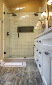Julia shower interior