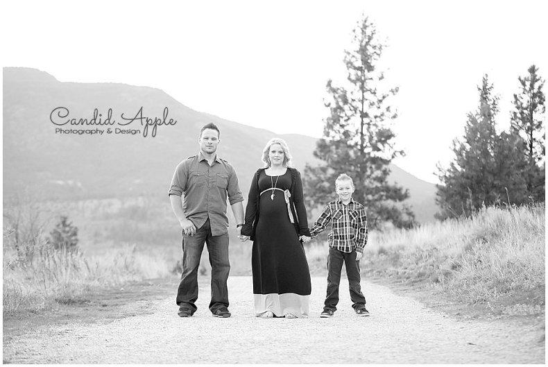 Knox_Mountain_Park_Family_Maternity_Photographers__0015