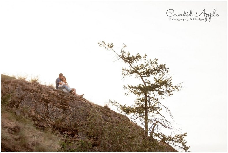 Kelowna_Bertram_Creek_Park_Engagement_Photographers__0021