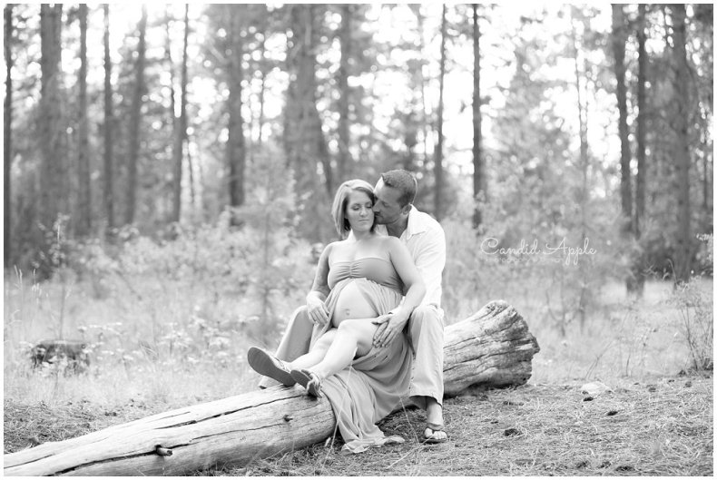 Kelowna_Mission_Creek_Park_Maternity_Photographers_00005