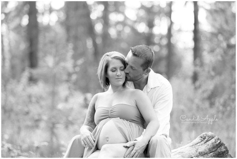 Kelowna_Mission_Creek_Park_Maternity_Photographers_00006