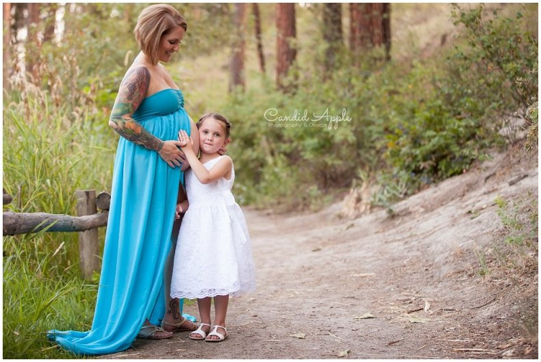 Kelowna_Mission_Creek_Park_Maternity_Photographers_00009