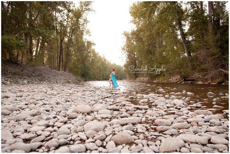 Kelowna_Mission_Creek_Park_Maternity_Photographers_00017