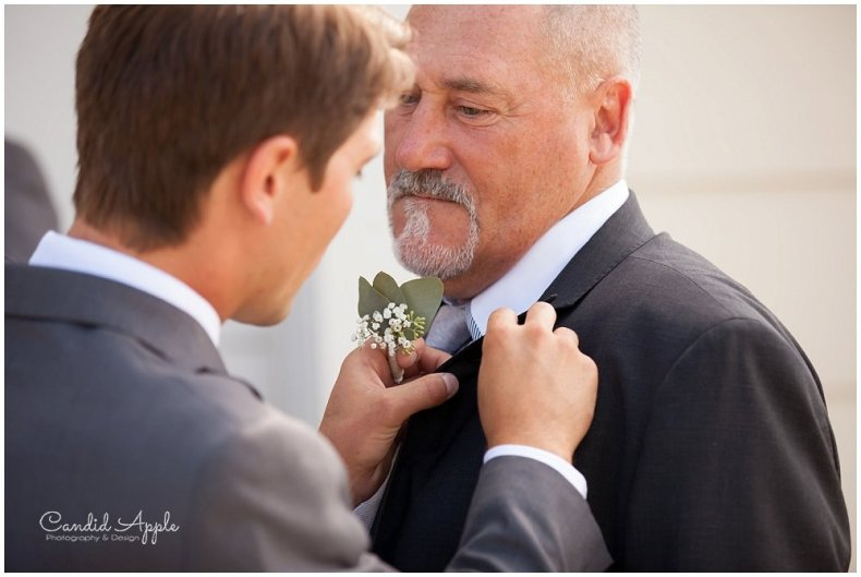 Sanctuary_Garden_West_Kelowna_Candid_Apple_Wedding_Photography_0016