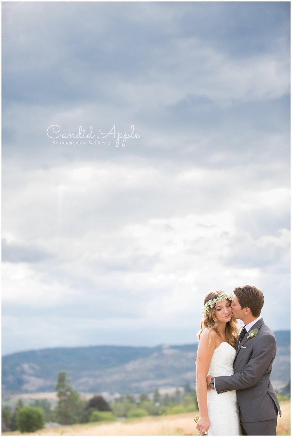 Sanctuary_Garden_West_Kelowna_Candid_Apple_Wedding_Photography_0061