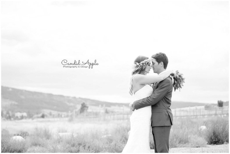 Sanctuary_Garden_West_Kelowna_Candid_Apple_Wedding_Photography_0063