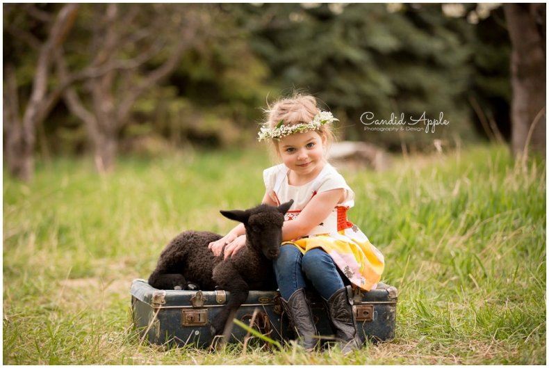 Kelowna-Springtime-On-the-Farm-Photographers_0131