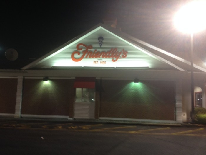friendlys watertown massachusetts