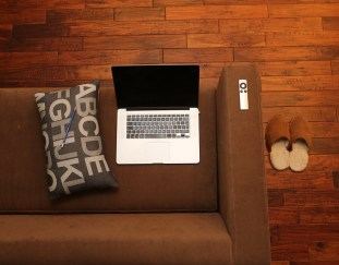 balancing-personal-professional-home-office