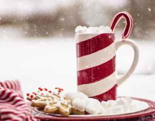 5-ways-create-cozy-guestroom-christmas-holidays