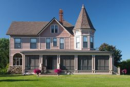 summer-lodgin-turning-your-home-into-a-vacation-palace