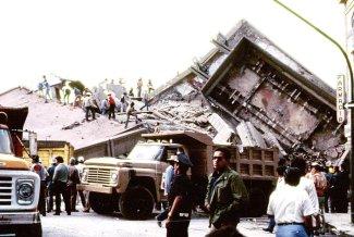 En la imagen, uno de tantos edificios destruidos.