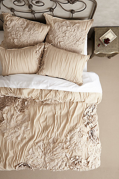 Anthropologie Bedroom: Obsessed With Gorgeous Anthropologie Bedding At 20% Off