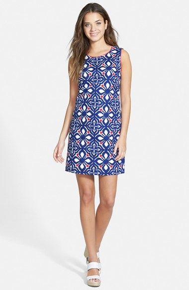 Vineyard Vines 'Whale Tail' Embroidered Shift Dress in Resort Red