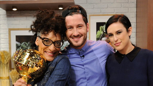 """Chef Carla Hall, and Dancing With The Stars season 20 mirrorball champions Val Chmerkovskiy and Rumer Willis pose on Thursday, May 21st in """"The Chew Kitchen""""!"""